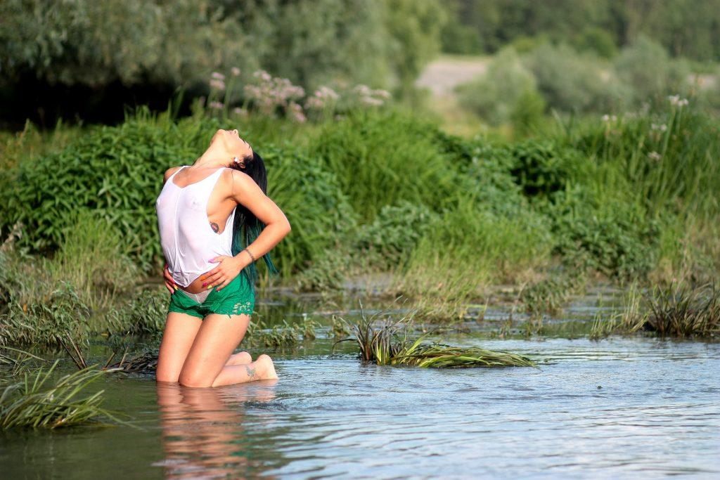 Estimular várias áreas do corpo feminino